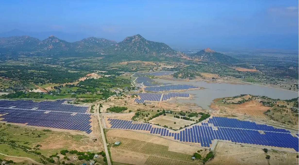 Trang trại Điện mặt trời Hồ Bầu Ngứ